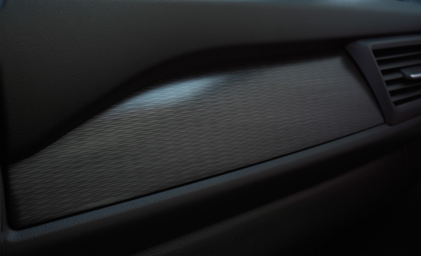 Nissan Leaf 2018 punya lebih teknologi dan bergaya Image #706391