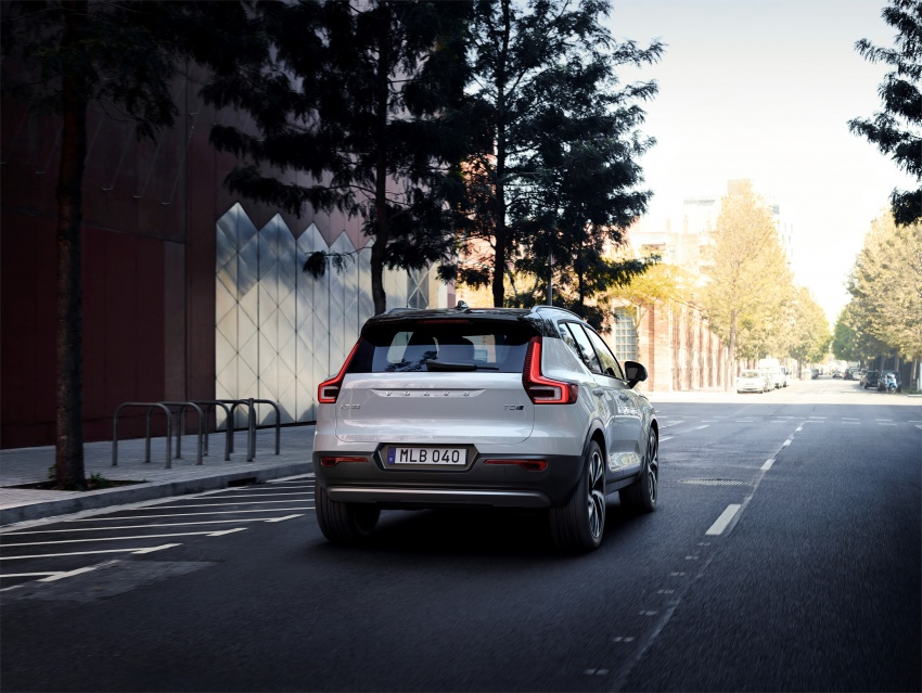 Volvo XC40 officially revealed – CMA platform, Drive-E engines, first model offered in 'Care by Volvo' service Image #714187