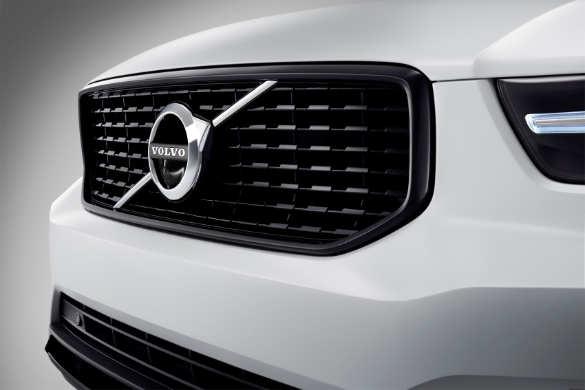 Volvo XC40 officially revealed – CMA platform, Drive-E engines, first model offered in 'Care by Volvo' service Image #714199