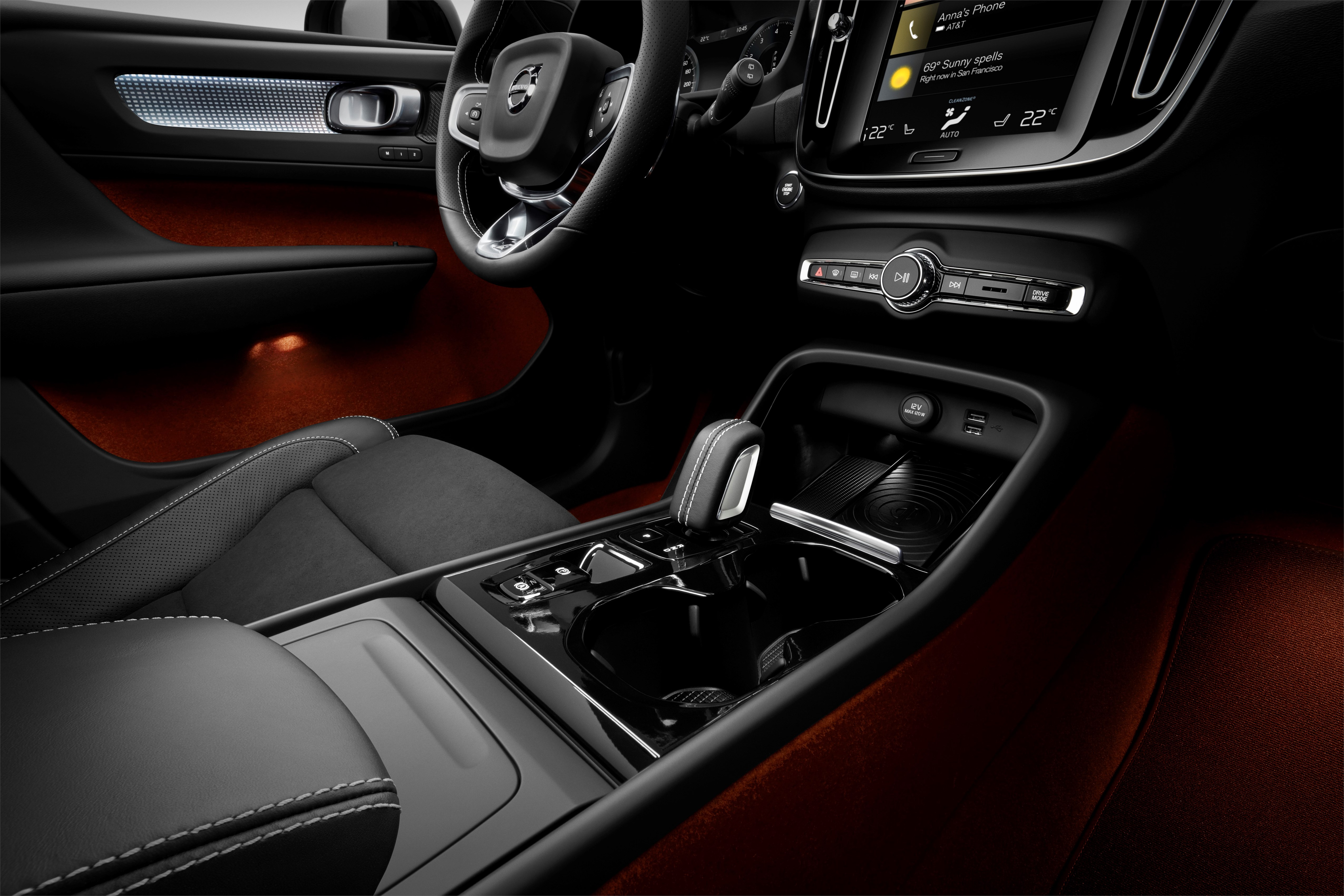 Volvo 40 1 Interior >> Volvo XC40 officially revealed – CMA platform, Drive-E engines, first model offered in 'Care by ...