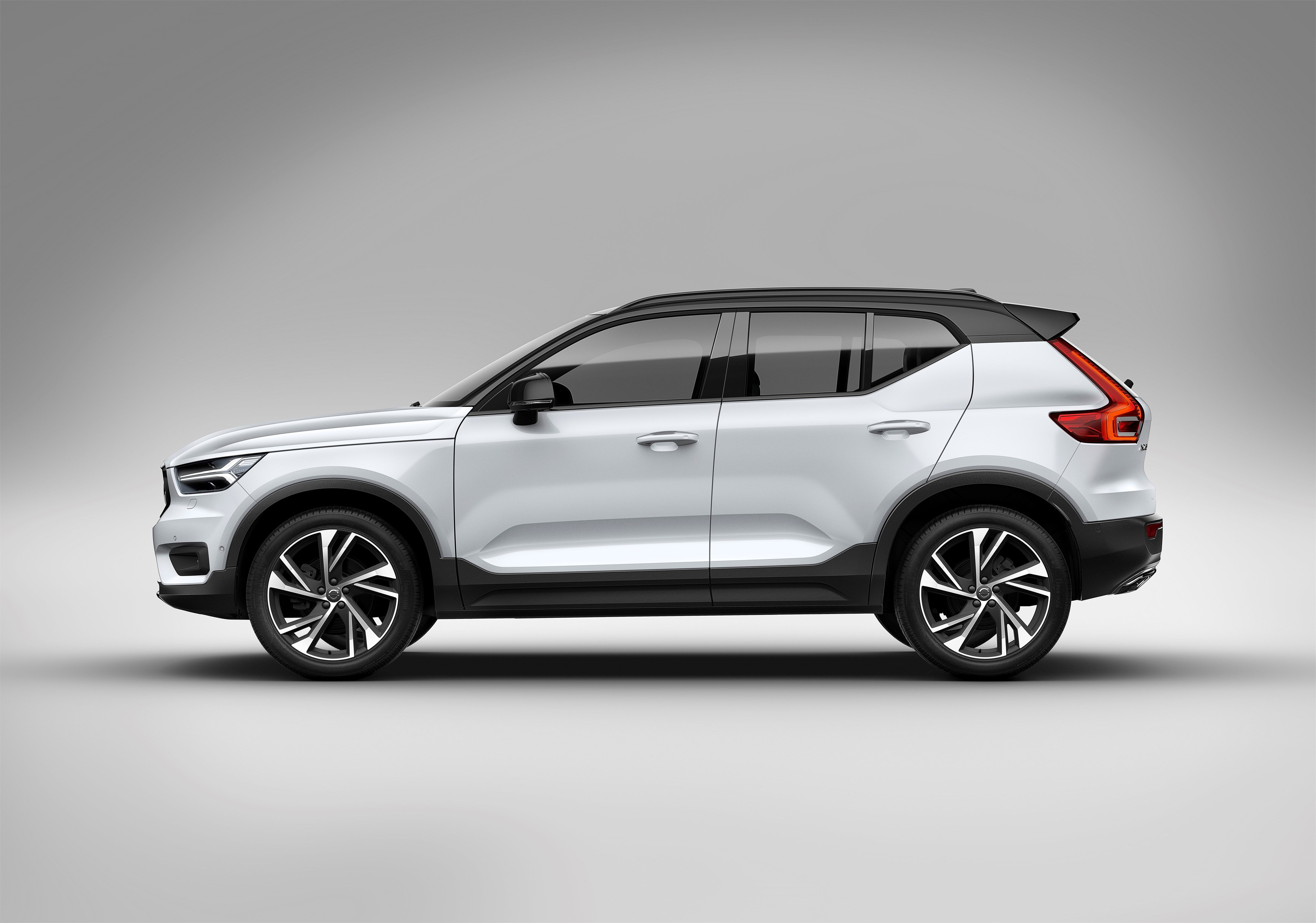 Gran Cherokee 2018 >> Volvo XC40 officially revealed – CMA platform, Drive-E engines, first model offered in 'Care by ...