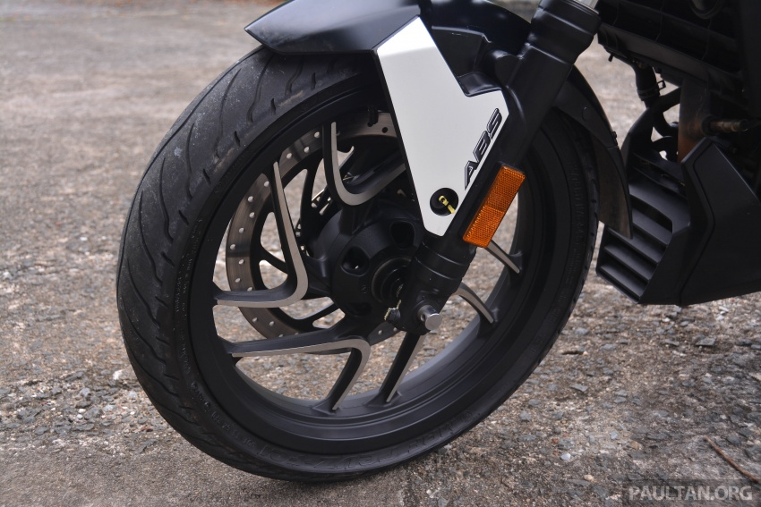 FIRST RIDE: 2018 Modenas Dominar 400 – 35 PS, thumping good fun, and it's coming to Malaysia soon! Image #720704