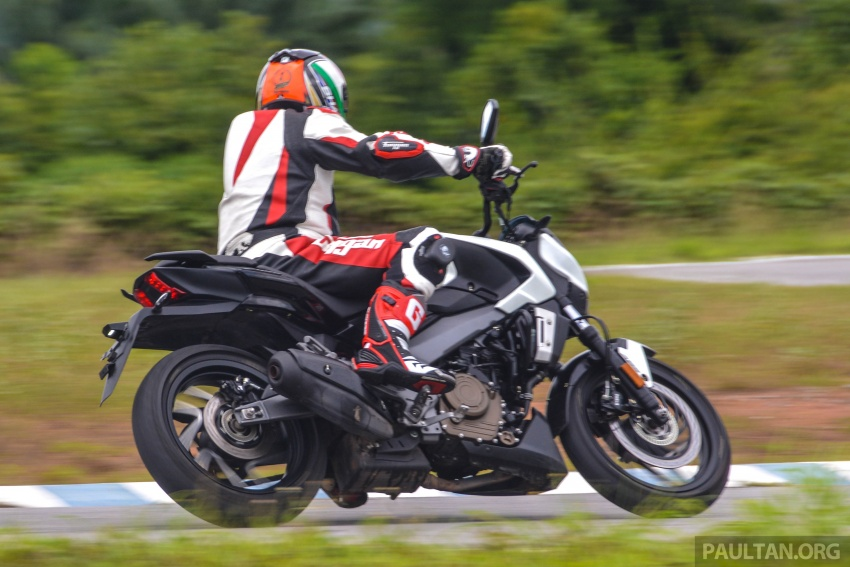FIRST RIDE: 2018 Modenas Dominar 400 – 35 PS, thumping good fun, and it's coming to Malaysia soon! Image #720668