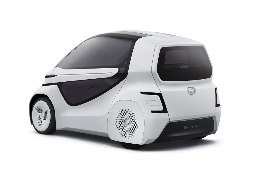 Toyota Concept-i Ride and Walk unveiled, Tokyo debut Image #726141