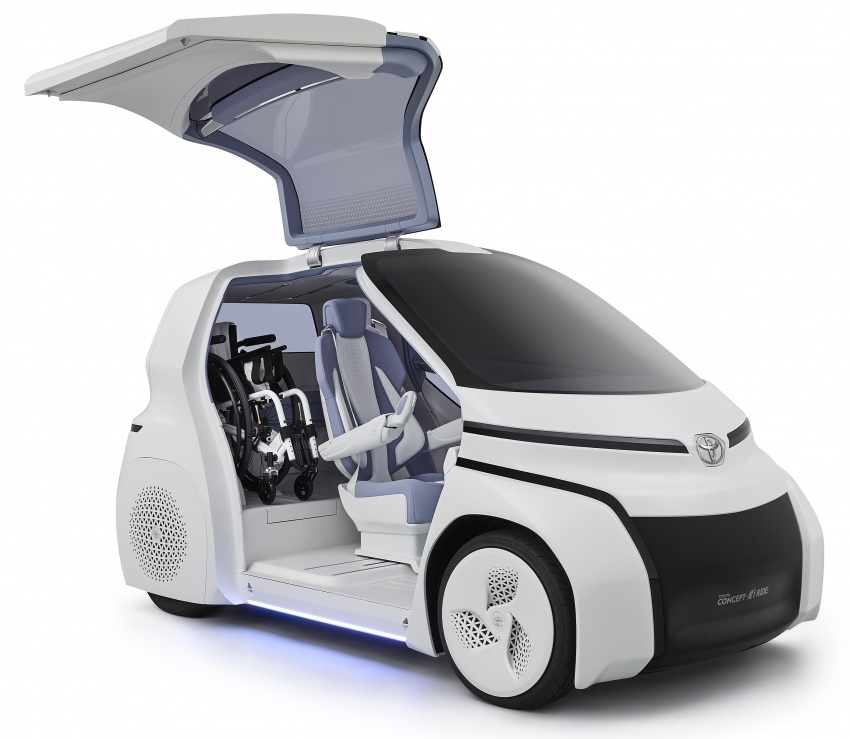 Toyota Concept-i Ride and Walk unveiled, Tokyo debut Image #726145