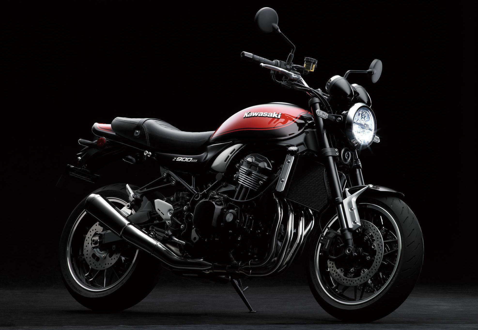 2018 Kawasaki Z900 RS Retro Sports Bike Unveiled
