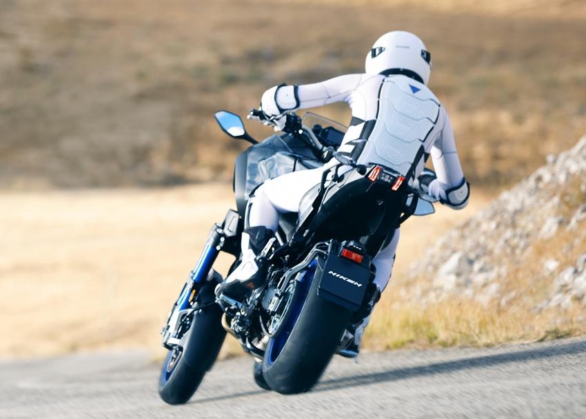 Yamaha Niken Leaning Multi-Wheeler (LMW) 2018 – guna tiga roda, tetapan fork berkembar di hadapan Image #728742