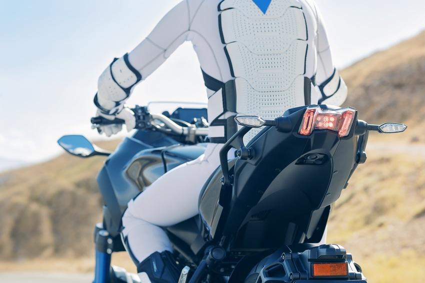 Yamaha Niken Leaning Multi-Wheeler (LMW) 2018 – guna tiga roda, tetapan fork berkembar di hadapan Image #728766