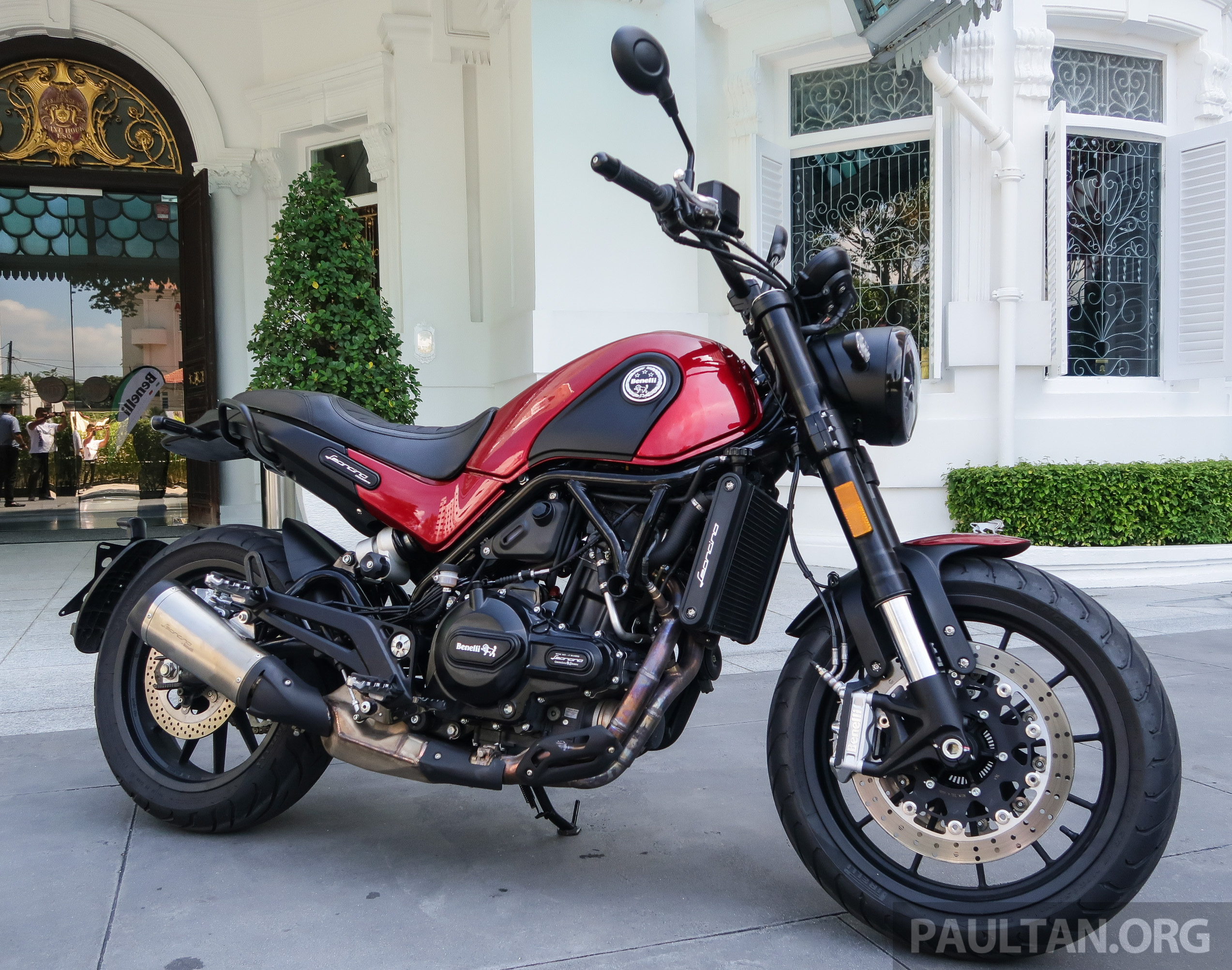 Benelli Cafe Racer Review
