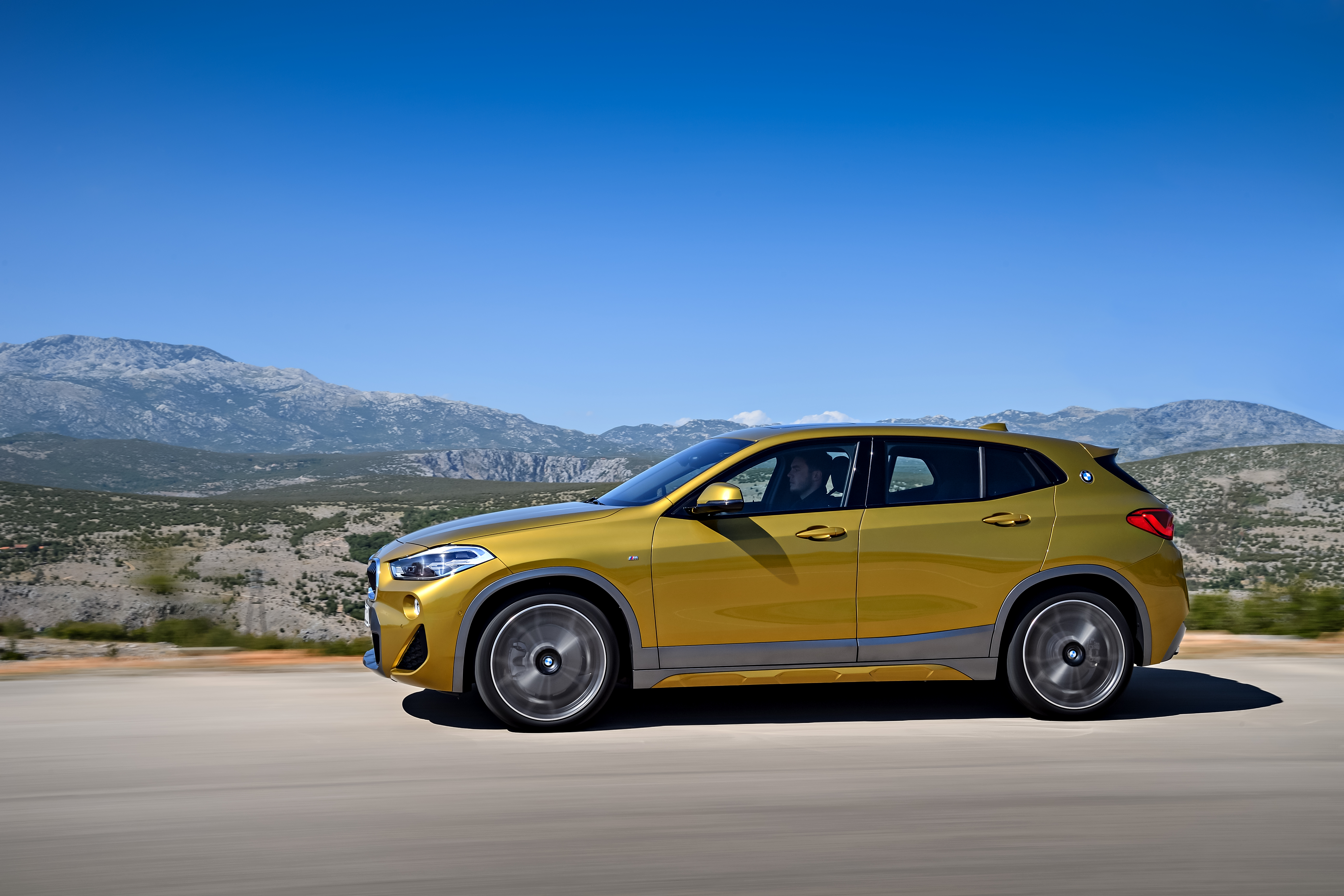 f39 bmw x2 unveiled with new m sport x package image 728974. Black Bedroom Furniture Sets. Home Design Ideas