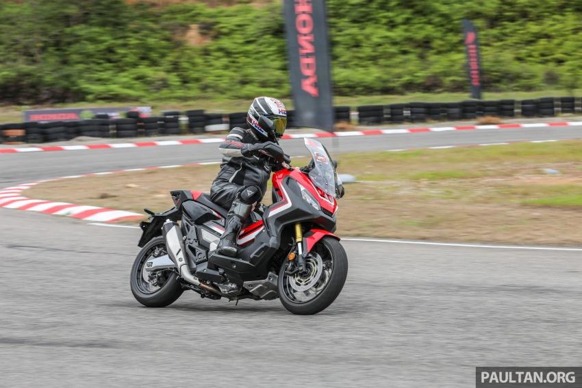 FIRST RIDE: 2017 Honda X-ADV adventure scooter Image #730151