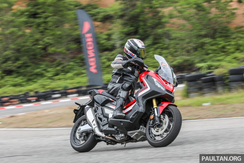FIRST RIDE: 2017 Honda X-ADV adventure scooter Image #730155