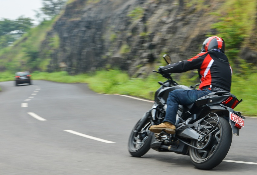 FIRST RIDE: 2018 Modenas Dominar 400 – 35 PS, thumping good fun, and it's coming to Malaysia soon! Image #720735