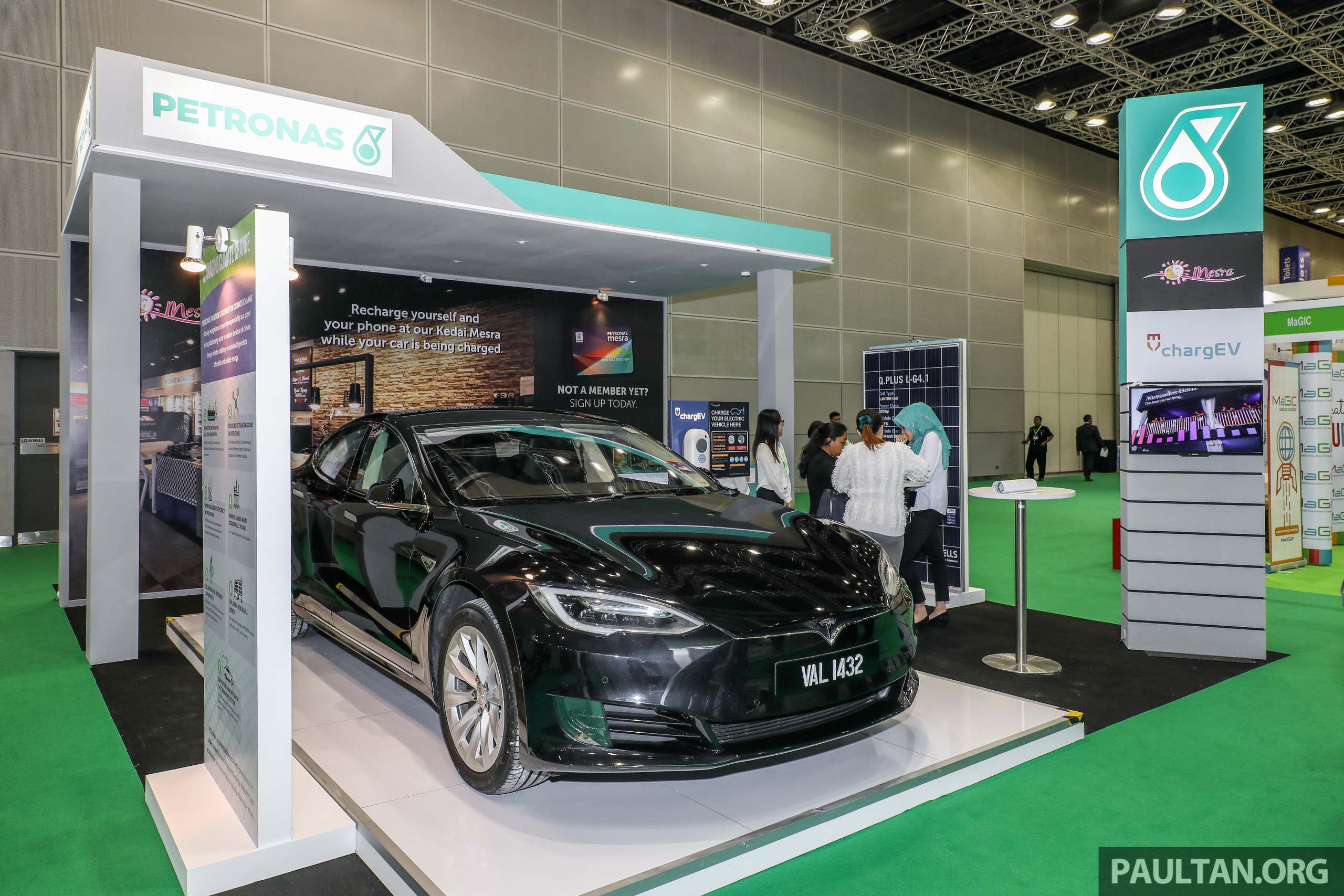 Petronas Dagangan Plans For 100 Ev Charging Stations