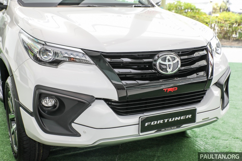 GALLERY: Toyota Fortuner 2.4 VRZ 4×2 with TRD kit Image #723322