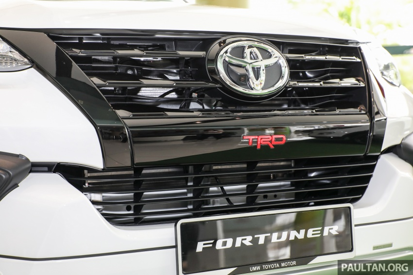 GALLERY: Toyota Fortuner 2.4 VRZ 4×2 with TRD kit Image #723327