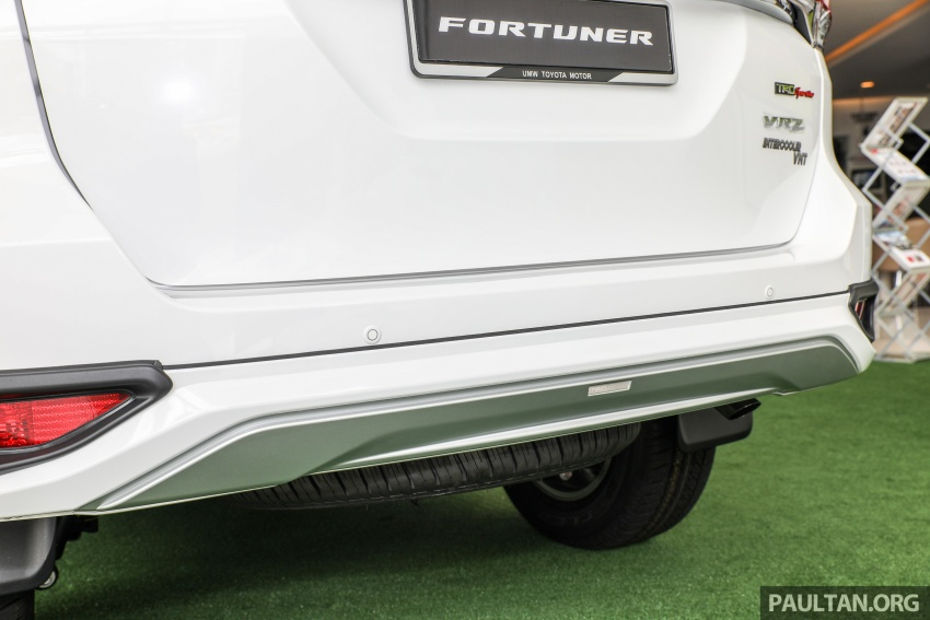 GALLERY: Toyota Fortuner 2.4 VRZ 4×2 with TRD kit Image #723347