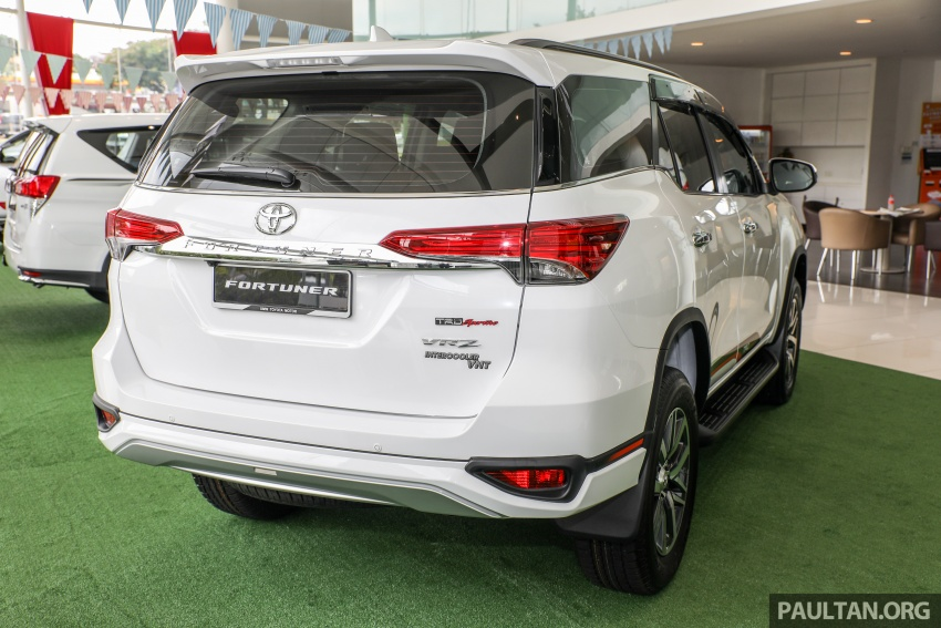 GALLERY: Toyota Fortuner 2.4 VRZ 4×2 with TRD kit Image #723314