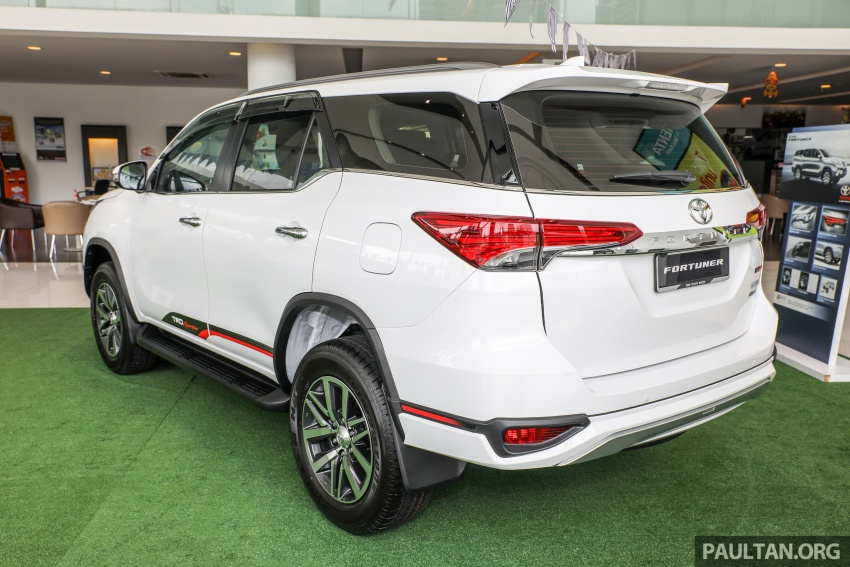 GALLERY: Toyota Fortuner 2.4 VRZ 4×2 with TRD kit Image #723316