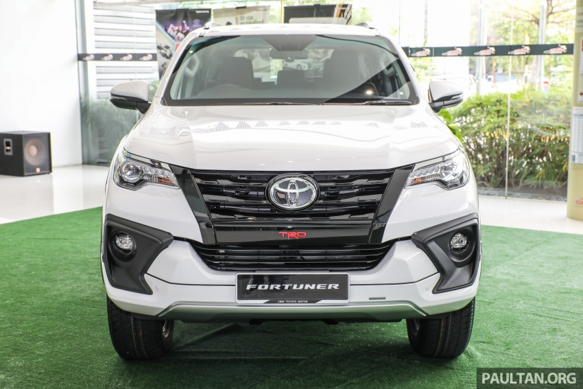 GALLERY: Toyota Fortuner 2.4 VRZ 4×2 with TRD kit Image #723319