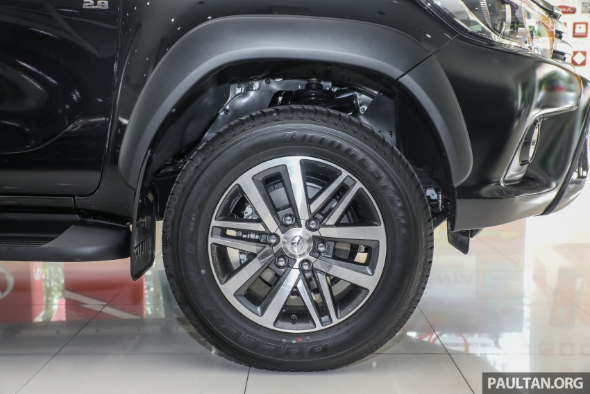 GALLERY: Toyota Hilux 2.8G with Tough Package, PVM Image #723535