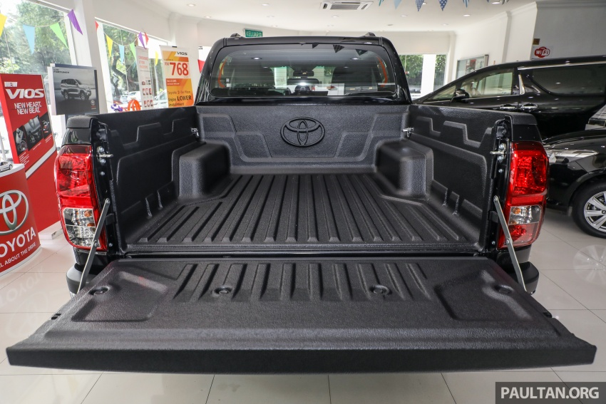GALLERY: Toyota Hilux 2.8G with Tough Package, PVM Image #723543