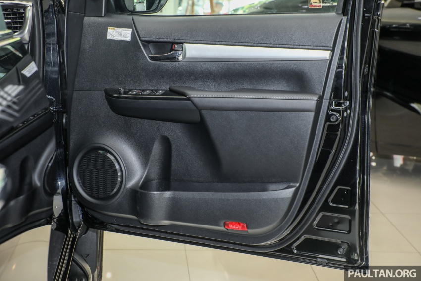 GALLERY: Toyota Hilux 2.8G with Tough Package, PVM Image #723581