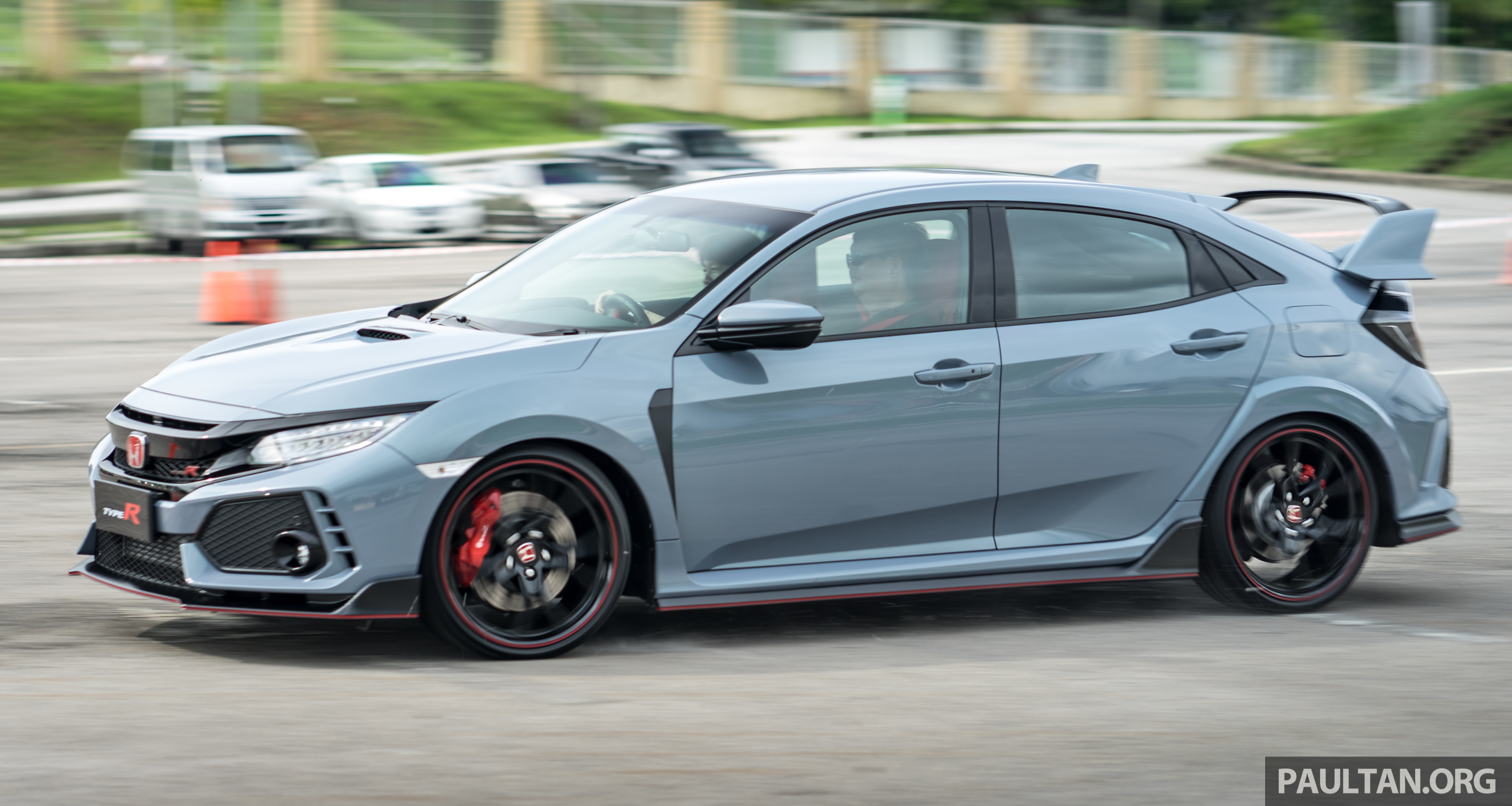 fk8 honda civic type r launched in malaysia rm320k image. Black Bedroom Furniture Sets. Home Design Ideas