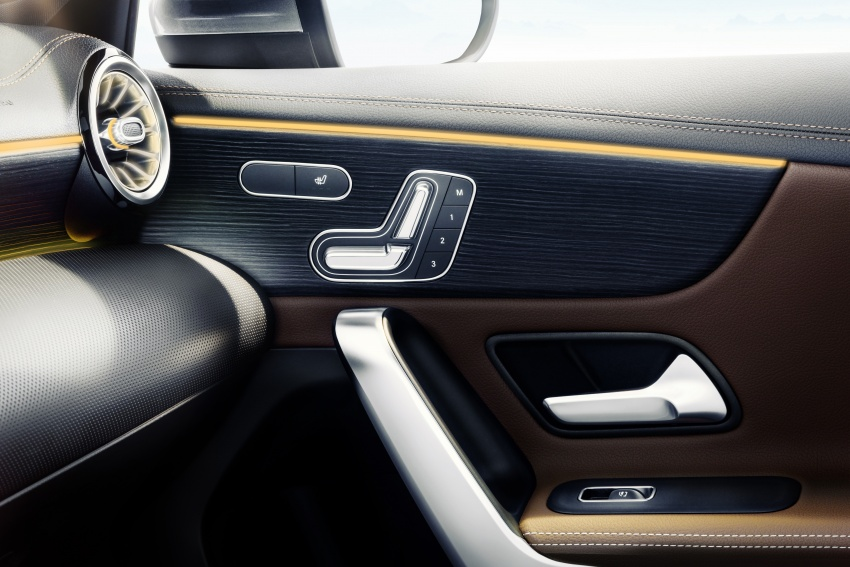 2018 Mercedes-Benz A-Class – interior revealed in full Image #742524