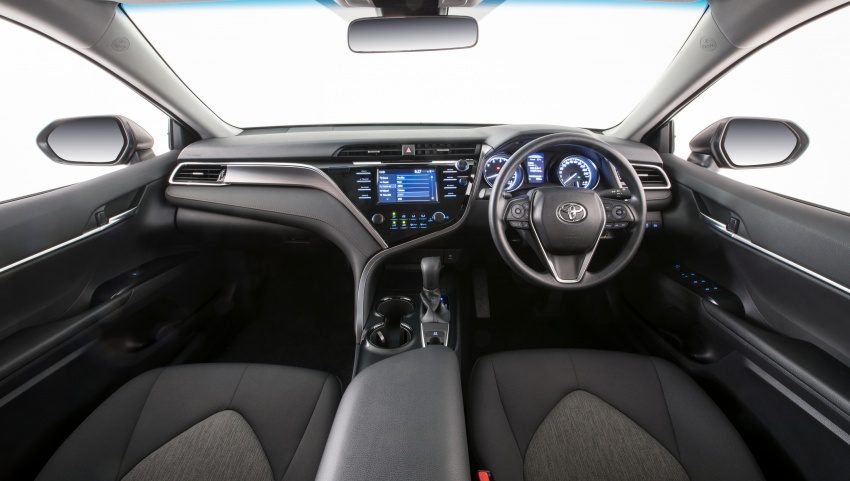 2018 Toyota Camry debuts in Australia – from RM86k Image #741167
