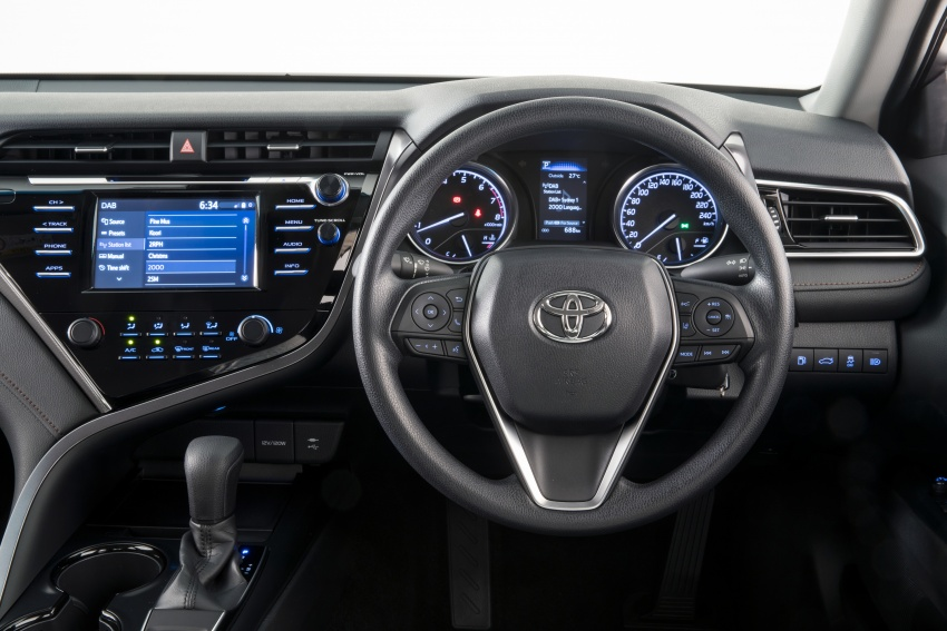 2018 Toyota Camry debuts in Australia – from RM86k Image #741169