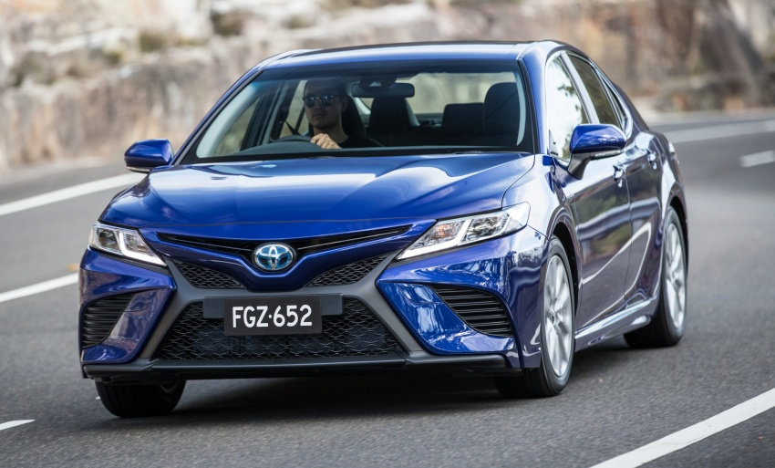 2018 Toyota Camry debuts in Australia – from RM86k Image #741173
