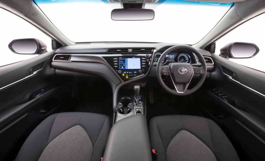 2018 Toyota Camry debuts in Australia – from RM86k Image #741180