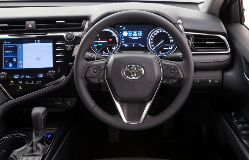 2018 Toyota Camry debuts in Australia – from RM86k Image #741181