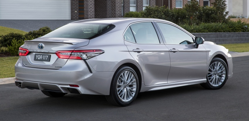 2018 Toyota Camry debuts in Australia – from RM86k Image #741209