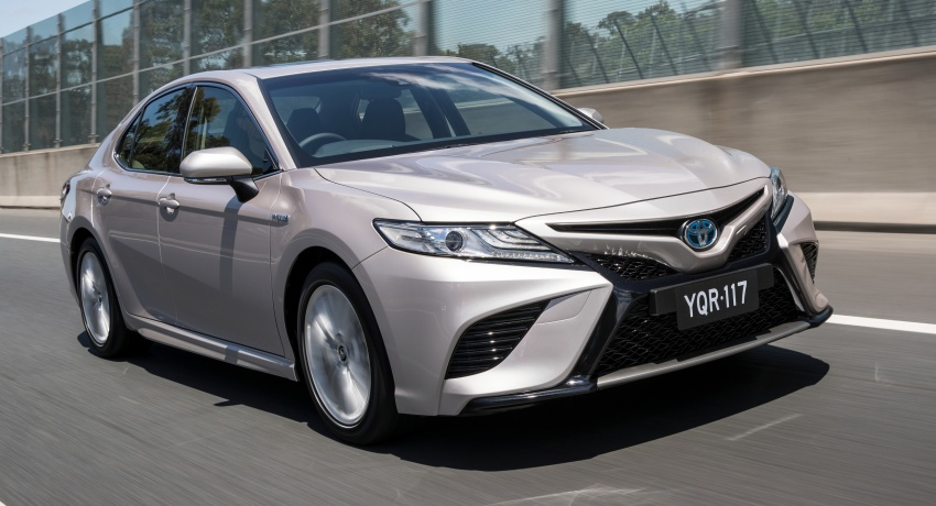 2018 Toyota Camry debuts in Australia – from RM86k Image #741211