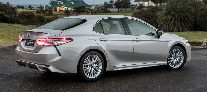 2018 Toyota Camry debuts in Australia – from RM86k Image #741215