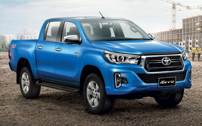 2018 Toyota Hilux facelift gets new Tacoma-style face Image #737634