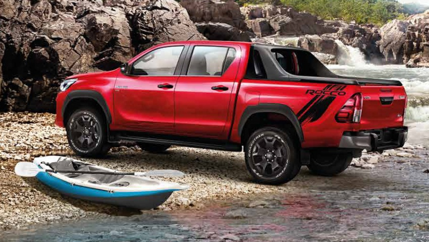 2018 Toyota Hilux facelift gets new Tacoma-style face Image #737644