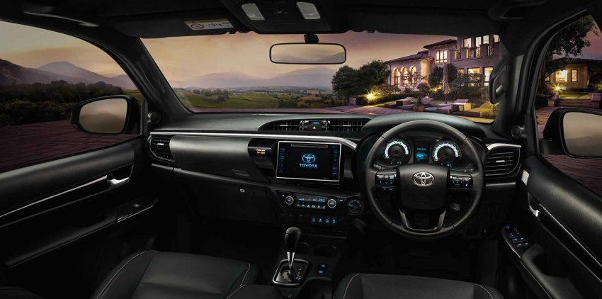 2018 Toyota Hilux facelift gets new Tacoma-style face Image #737645
