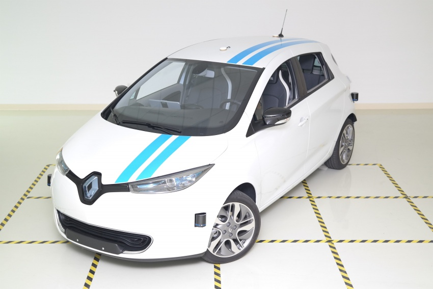 Renault developing autonomous obstacle avoidance – system to be better than professional test drivers? Image #734833