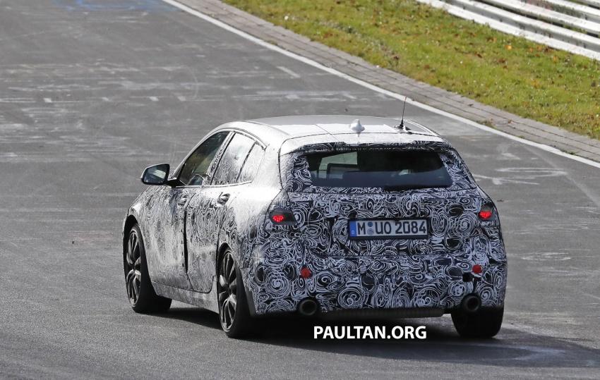 SPIED: Next-gen BMW 1 Series shows its new interior Image #736978