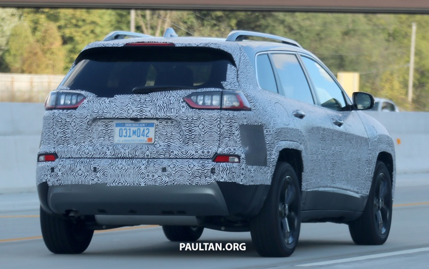 SPIED: 2019 Jeep Cherokee sheds some camouflage Image #737854
