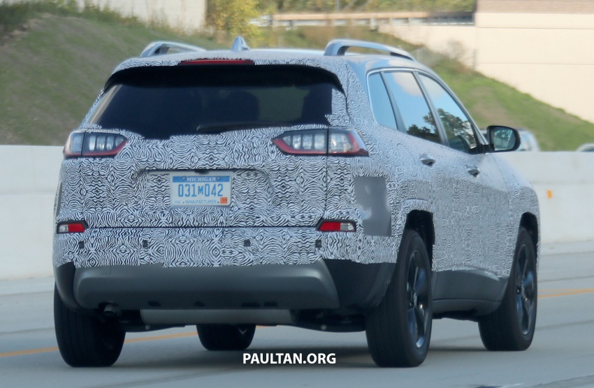 SPIED: 2019 Jeep Cherokee sheds some camouflage Image #737855