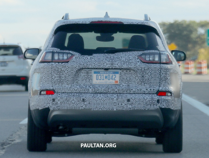 SPIED: 2019 Jeep Cherokee sheds some camouflage Image #737856