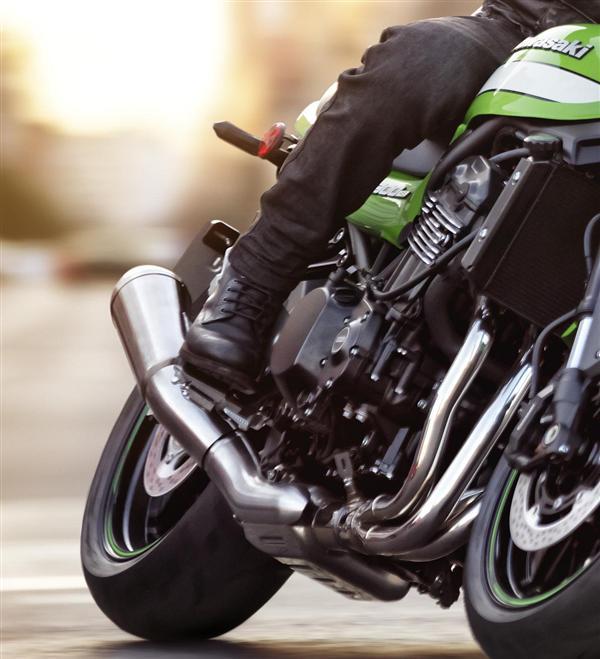 Kawasaki Z900 RS Guna Teknologi Moden Tapi Bentuk Klasik Versi Cafe Racer Turut Diperkenalkan Di