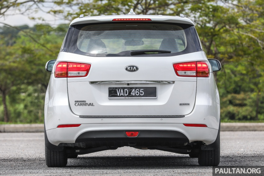 FIRST DRIVE: Kia Grand Carnival 2.2D video review Image #732776