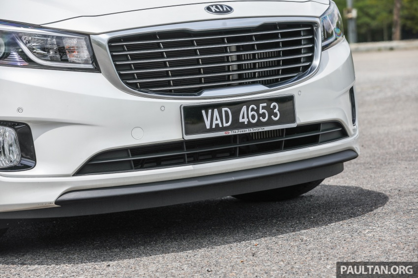 FIRST DRIVE: Kia Grand Carnival 2.2D video review Image #732784
