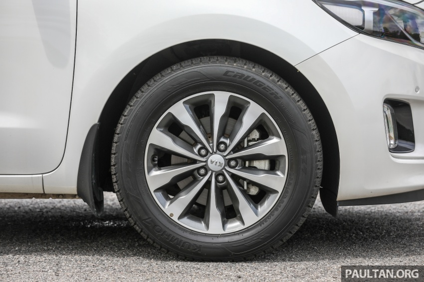 FIRST DRIVE: Kia Grand Carnival 2.2D video review Image #732788