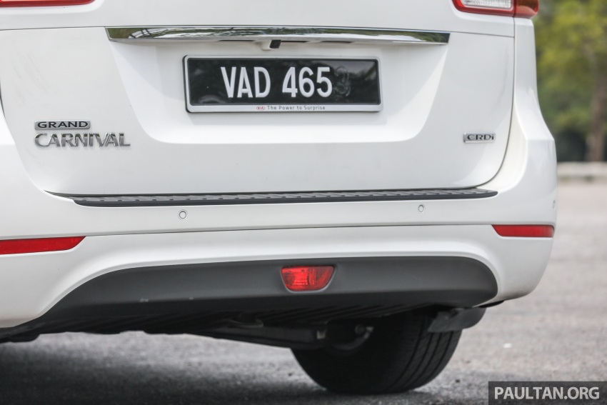 FIRST DRIVE: Kia Grand Carnival 2.2D video review Image #732795